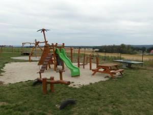 S dětmi na hřiště, pěšky po okolí penzionu Fořtovna, Písecko, jižní Čechy